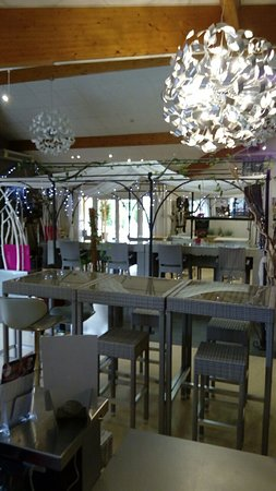 Bellegarde, France : Salle restaurant
