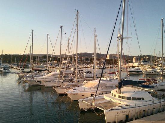 Roda de Bara, Spain: Embarcaciones