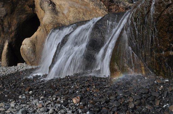 Arch Cape, Oregón: Hug Point Waterfall