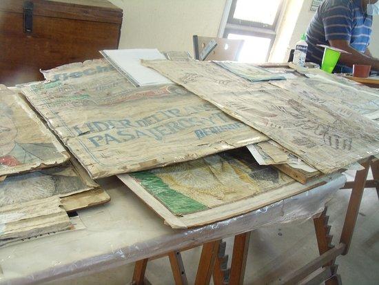 Bocetos del dise ador picture of fabrica de alfombras y tapices artesanales san fernando del - Fabricantes de alfombras ...