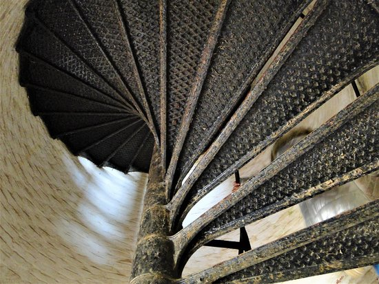 Cape Henry Lighthouse: Stairs to the top