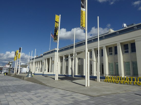 Museum of History & Industry : Exterior