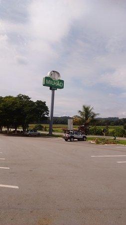 Florestal, MG: Placa de identificação do Restaurante