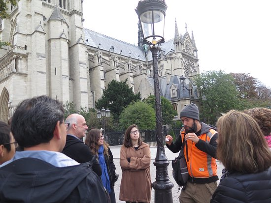 Wego Walking Tours: Just getting started, outside Notre-Dame Cathedral.
