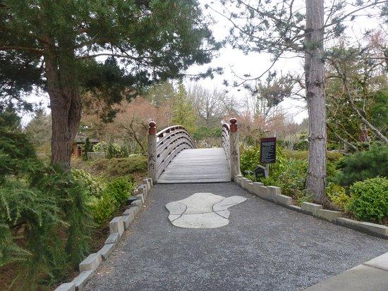 Gresham, Oregón: The bridge crossing over into the island and park