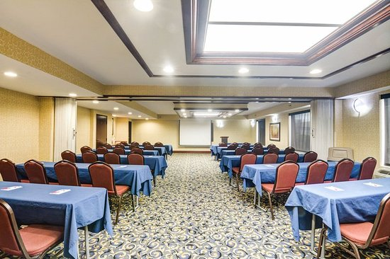 Comfort Suites Outlet Center: Meeting room
