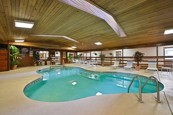 AmeriVU Bluffview Inn & Suites: INDOOR POOL