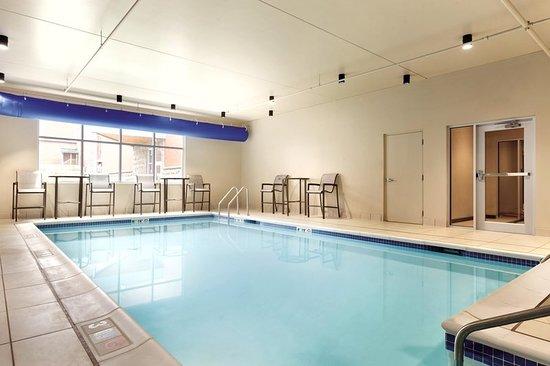 Saint Albans, VT: Pool