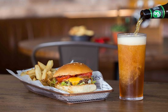 Narellan, Australia: Our signature burger with a beer goes down a treat!