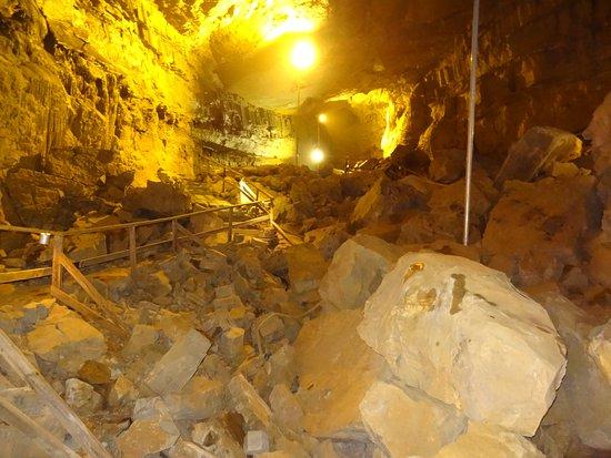 Lost World Caverns: Well lit pathways