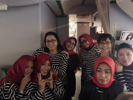 Singapore Airlines: Jalan2 di depan pantry pesawat, melepas lelah perjalanan jauh