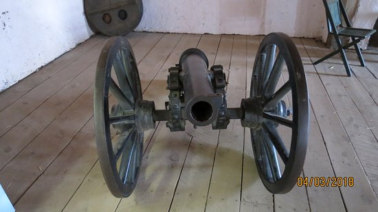 Fort Garland, CO : Cannon