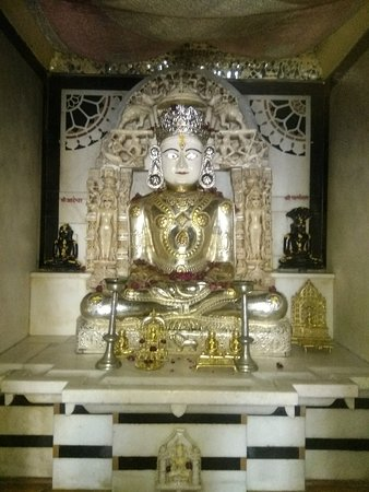 Kumbhalgarh, Ινδία: Lord idol : Mahavir swami