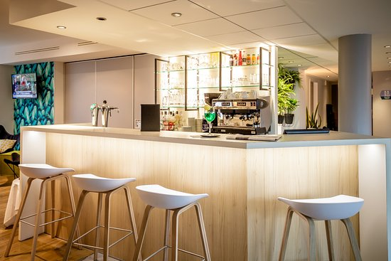 Best Western Plus Vannes Centre Ville: Bar hôtel BEST WESTERN PLUS Vannes centre-ville