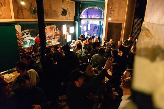 Tipsy Baker Bar Hamburg