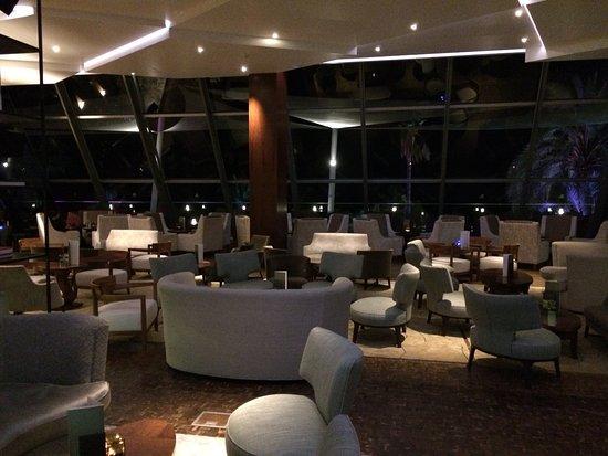 Amathus Beach Hotel Limassol: Die Bar