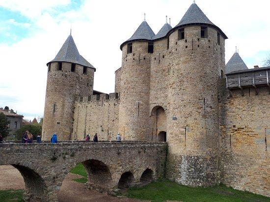 castillo picture of chateau et remparts de la cite de carcassonne carcassonne center. Black Bedroom Furniture Sets. Home Design Ideas