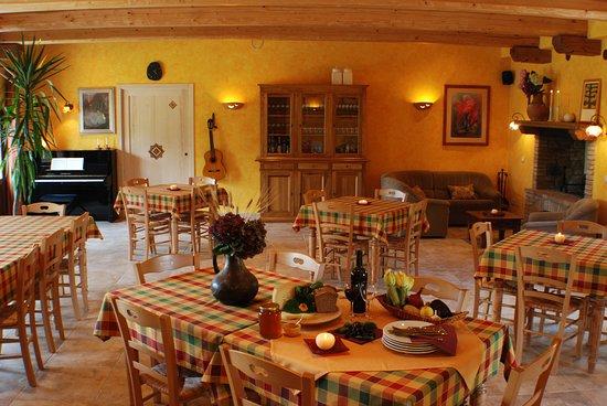 Ficulle, Italy: La sala ristorante e sala comune relax e wi-fi