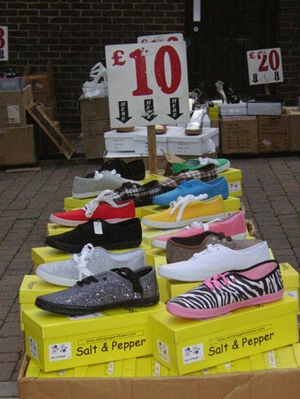 Bovingdon, UK: All the latest fashion at great prices