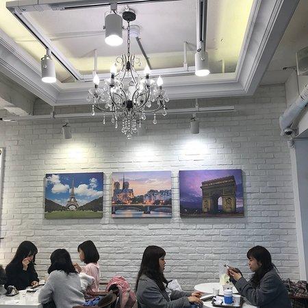 Cafe De Paris Myeongdong