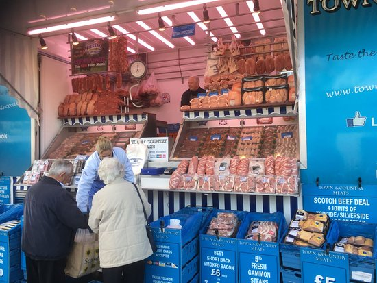 Bovingdon, UK: Great deals from the butcher