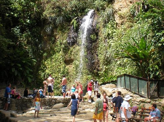 Choiseul, Saint Lucia: Visit the falls. There are plenty. Diamond falls is one of the most attractive. All part of tour