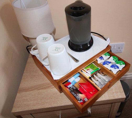 Kinlochleven, UK: Complimentary tea & coffee