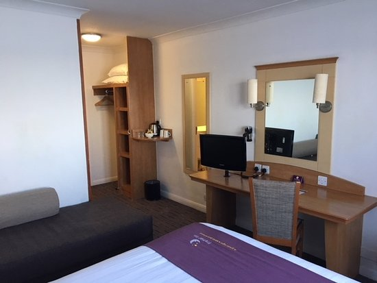 Hotels With Smoking Rooms Milton Keynes