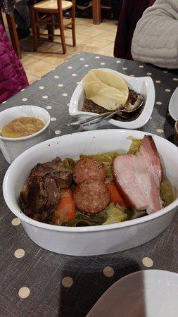 Plouegat-Moysan, França: les légumes avec la viande