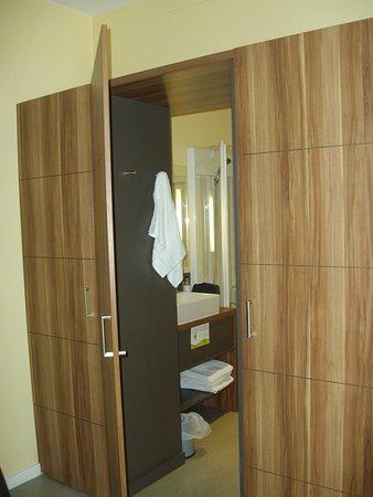 suite home aix en provence sud hotel bouc bel air voir. Black Bedroom Furniture Sets. Home Design Ideas