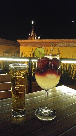 El Pegaso: Sangria and beer