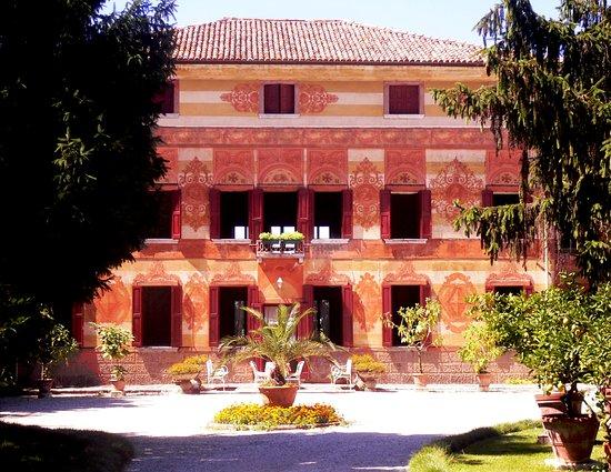Villa Albuzio