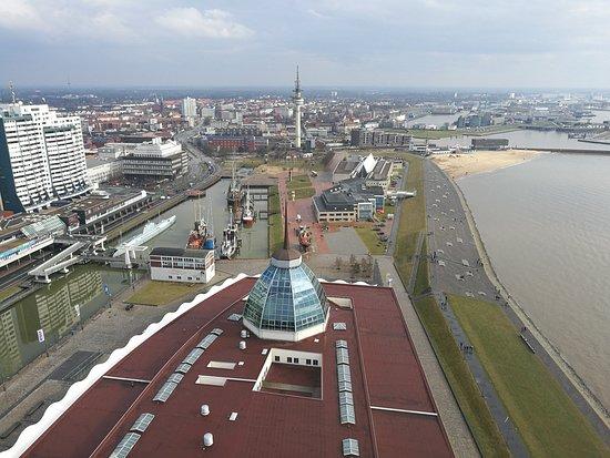 Viewing Platform SAIL City: Blick in Richtung Alter Hafen und Weserbad