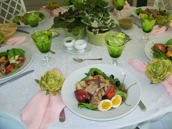 The Inn on Park Street: Spring Luncheon on the Porch