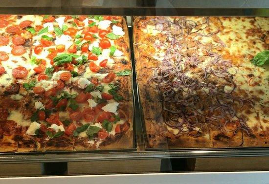 Nago-Torbole, Италия: Excellent pizza!