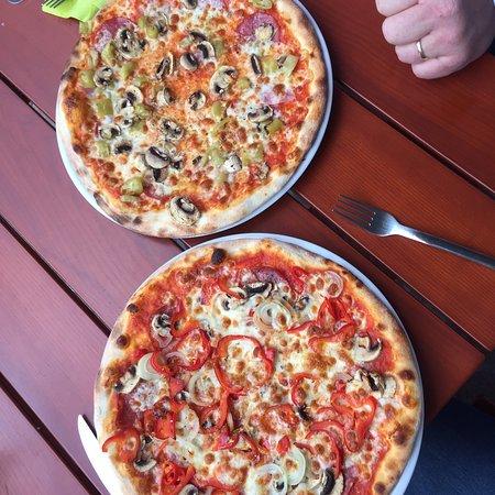 Pilsbar Pizzeria Zum Kreuz