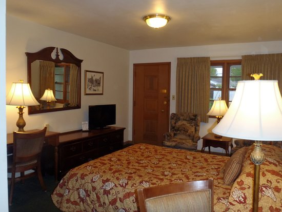 GLASS HOUSE INN - Updated 2019 Prices & Motel Reviews (Erie