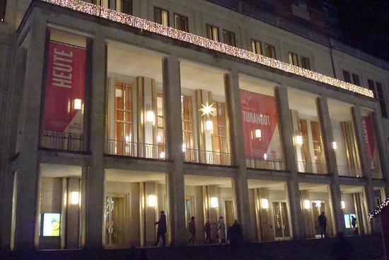 Leipzig Operahouse Porticos And Entrance Picture Of Opernhaus Leipzig Tripadvisor