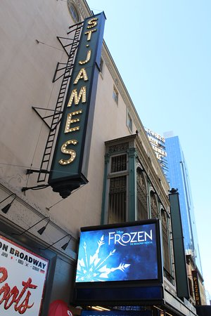 ‪Frozen on Broadway‬