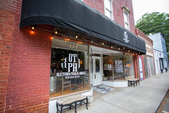 Cornelius, NC: Your neighborhood coffeehouse and pub!