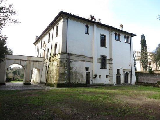 Villa Savorelli: il retro della villa