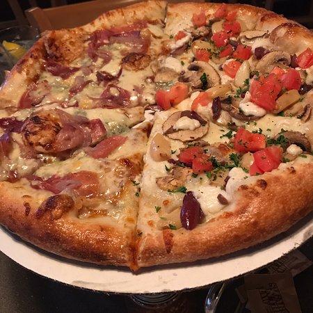 ae1644944b5 Dewey's Pizza, Kirkwood - 124 N Kirkwood Rd - Menu, Prices ...