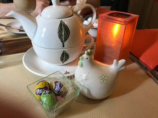 La Table d'Antonio: Ambiance Pacque, thé et le chocolat :)