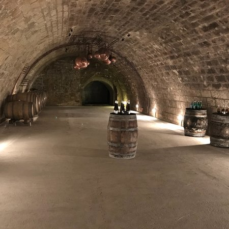Mad, Ungern: Holdvölgy Cellar Experience