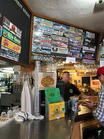 Solana Beach, CA: Pizza Port Brewing Company