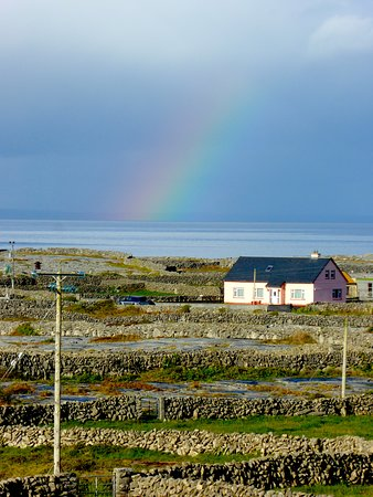 Inis Meain Restaurant & Suites: Views that go forever