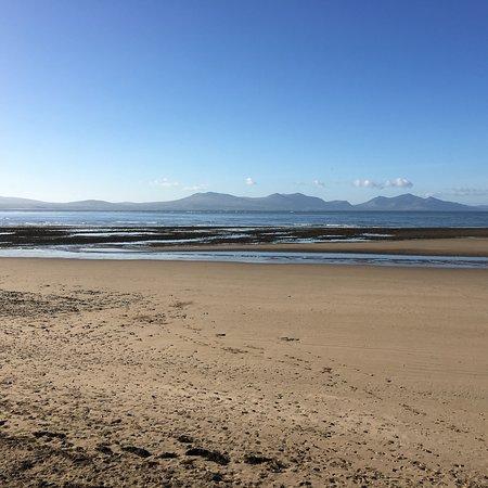Unbelievable unspoilt beach with Snowdonia backdrop