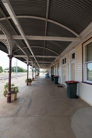 Emerald Train Station: platform area