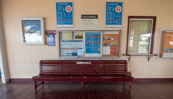 Emerald Train Station: old bench
