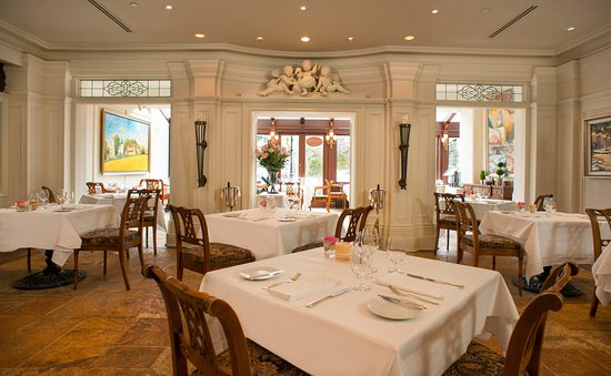 Prince of Wales: Noble dining room